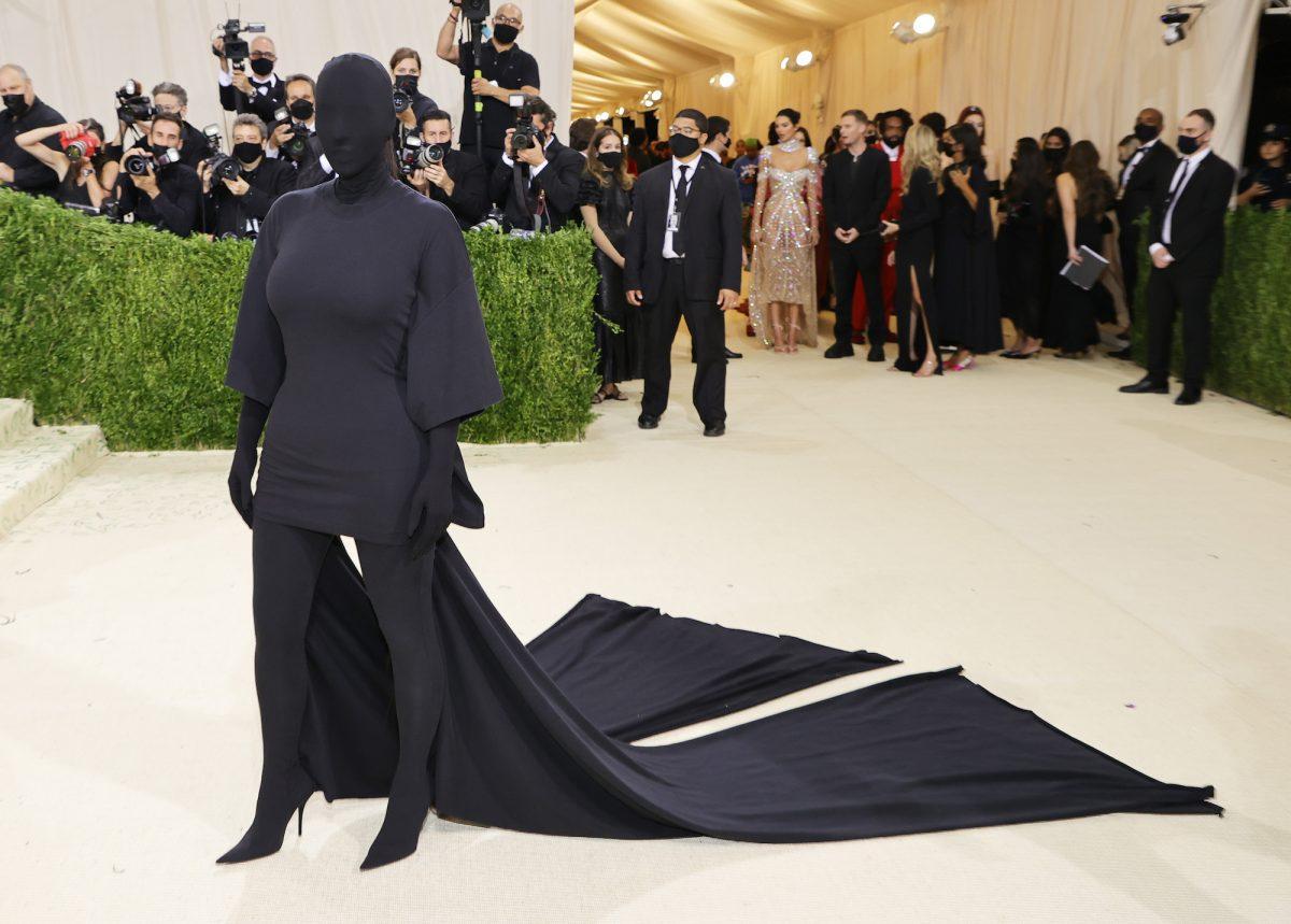 Kim Kardashian West attending the 2021 Met Gala wearing an all-black custom Balenciaga outfit