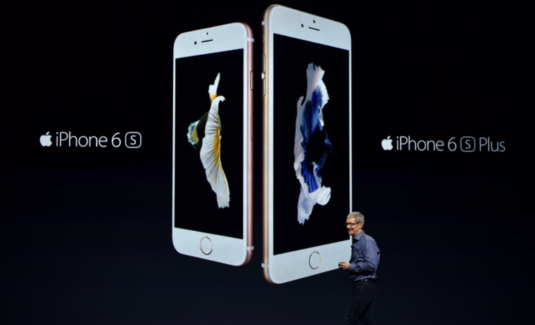 Apple CEO Tim Cook introduces the new iPhone 6s and 6s Plus during an Apple media event in San Francisco, California on September 9, 2015. Apple unveiled its iPad Pro, saying the large-screen tablet has the power and capabilities to replace a laptop computer. AFP PHOTO/JOSH EDELSON (Photo credit should read Josh Edelson/AFP via Getty Images)
