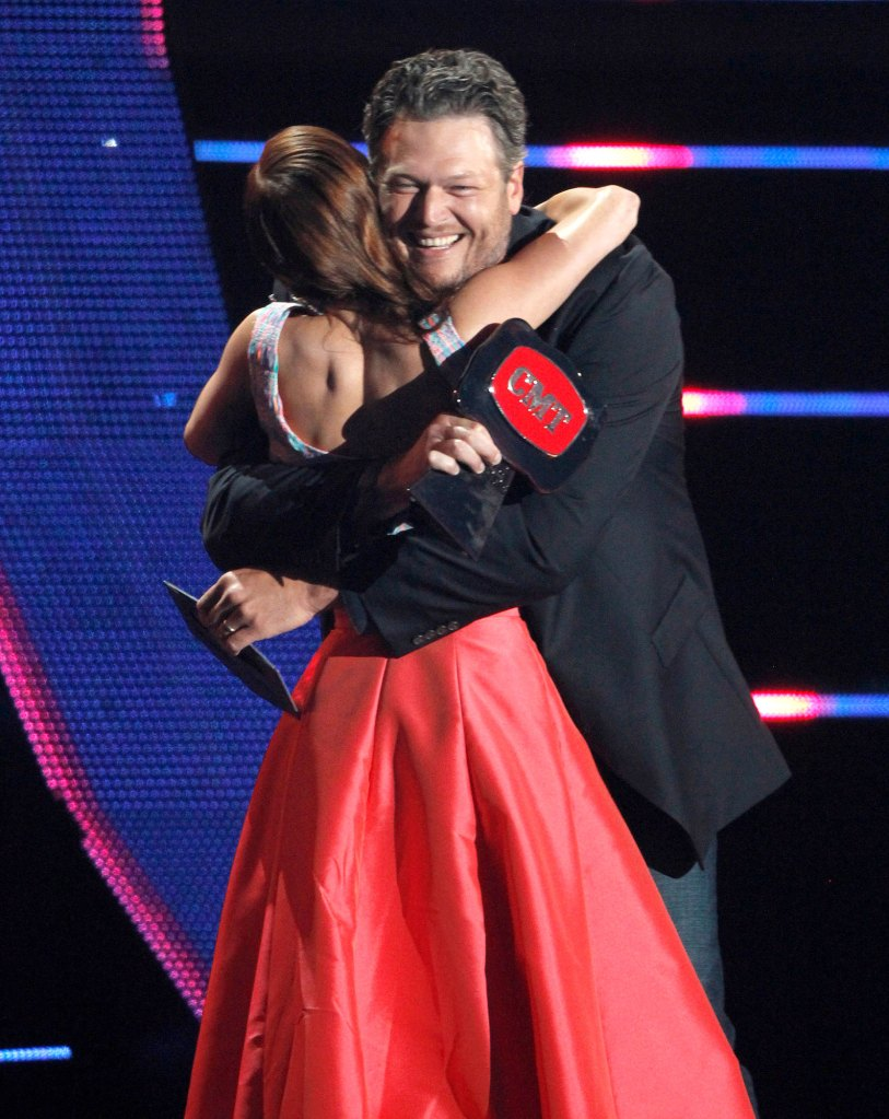 Cassadee Pope Blake Shelton Supportive After Voice Win 2